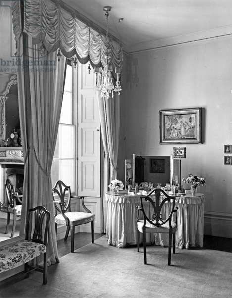 Queen Victoria's bedroom, Buxted Park, Sussex, from 'The English Country House' (b/w photo)