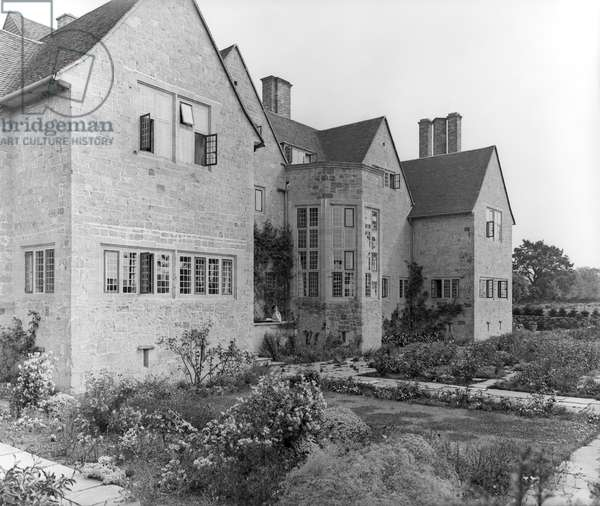 The south front of Little Thakeham from 'Edwin Lutyens: Country Houses' (b/w photo)