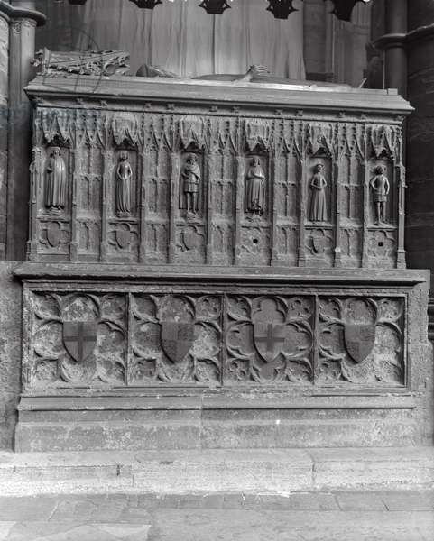 Tomb at Westminster Abbey, London (b/w photo)