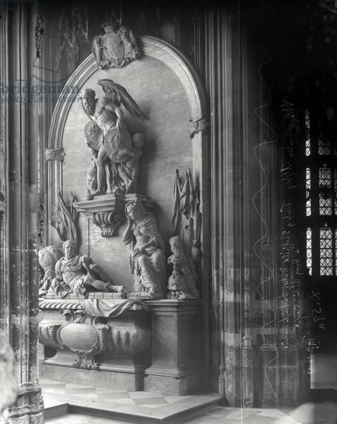 Monument to George Villiers, 1st Duke of Buckingham, Westminster Abbey, London (b/w photo)
