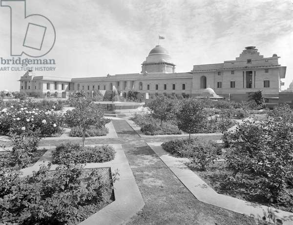 The west front of the Viceroy's House seen from across the formal Moghul water garden, from 'Edwin Lutyens: Country Houses' (b/w photo)