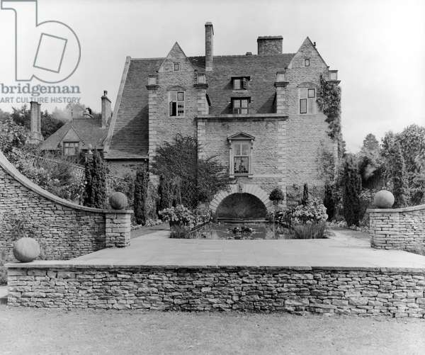 The lily tank and exterior of Abbotswood, from 'Edwin Lutyens: Country Houses'  b/w photo