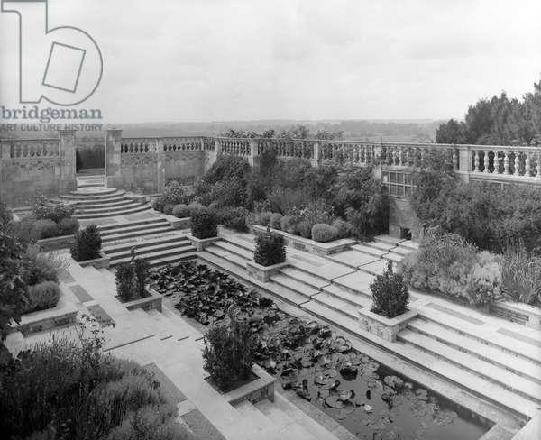 The sunk pool garden at Marsh Court, from 'Edwin Lutyens: Country Houses' (b/w photo)