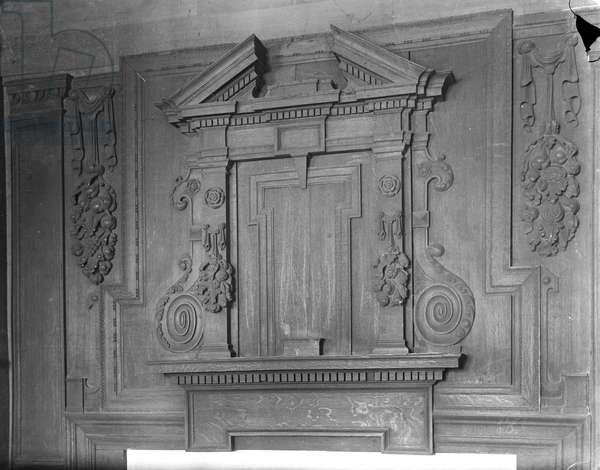 Overmantel, The Perne Library (b/w photo)