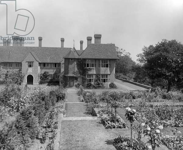 The west front of Fulbrook House, from 'Edwin Lutyens: Country Houses' (b/w photo)