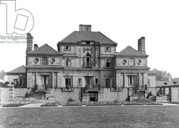 The south front of Heathcote, from 'Edwin Lutyens: Country Houses' (b/w photo)