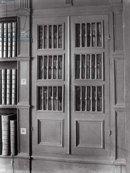 The Perne Library (b/w photo)