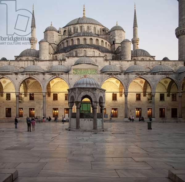 View of Sultan Ahmed Mosque (Blue Mosque), Istanbul, Turkey (photo)