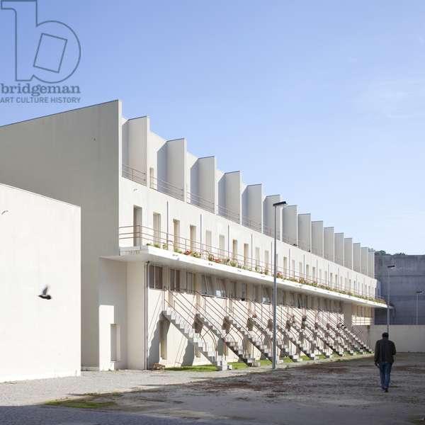 View SAAL Bouca social housing project, designed by Alvaro Siza Vieira, Porto, Portugal (photo)