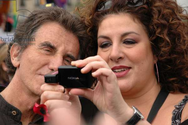 Jack Lang and Marianne James during the Gay Pride (Lesbian, Gay, Bi and Trans pride march) in Paris (France) on May 24, 2006. -Available except in Belgium-