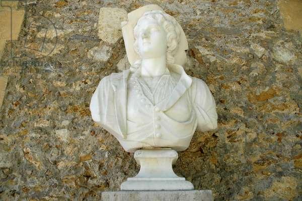 Marble bust of Queen Marie Antoinette, circa 1785.