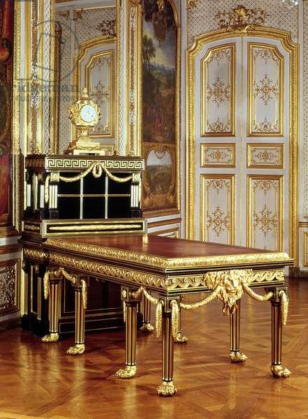 Louis XVI style bureau belonging to Ange Laurent de Lalive de Jully (1725-75) c.1757 (wood, gilt and bronze)
