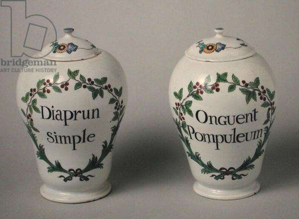 Two pharmaceutical pots, made in Chantilly, 2nd quarter of 18th century (porcelain)