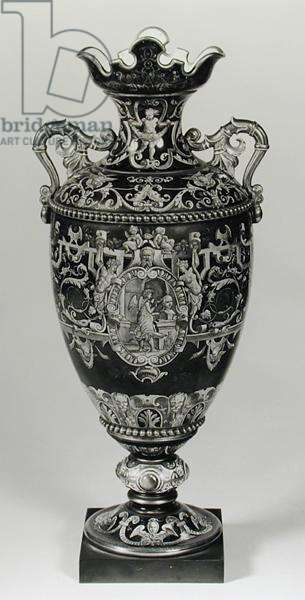 Adelaide Vase with a medallion representing Sculpture, Sevres, c.1820 (porcelain) (b/w photo)