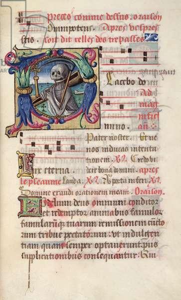 Ms 48/1605 fol.43v Historiated initial depicting death with musical notes, from 'Rituel et Ceremonial a l'Usage de Renee de Bourbon, Abbesse de Fontevrault' (vellum)