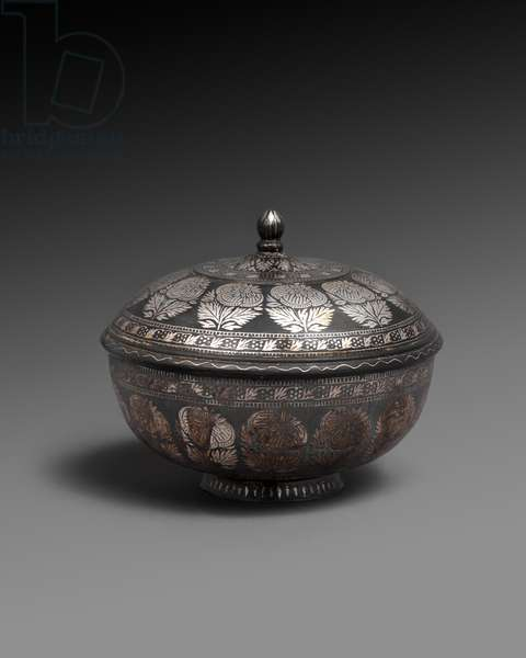 Bowl and cover, each with a band of naturalistic flowers,  18th century (metal alloy with silver inlay)