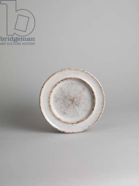 White tin-glazed side plate, 1914-18 (tin-glazed earthenware)