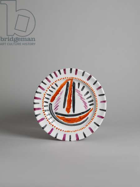 Plate with overglaze painted sailing boat design, 1913-c.1914 (glazed earthenware with painted decoration)