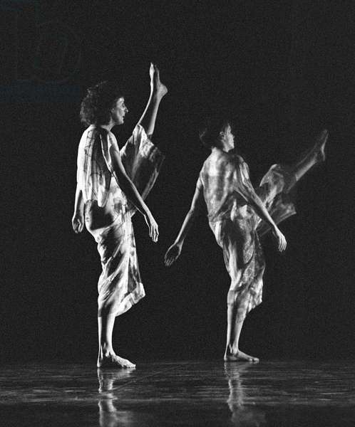 Trisha Brown Company in 'Set and Reset'