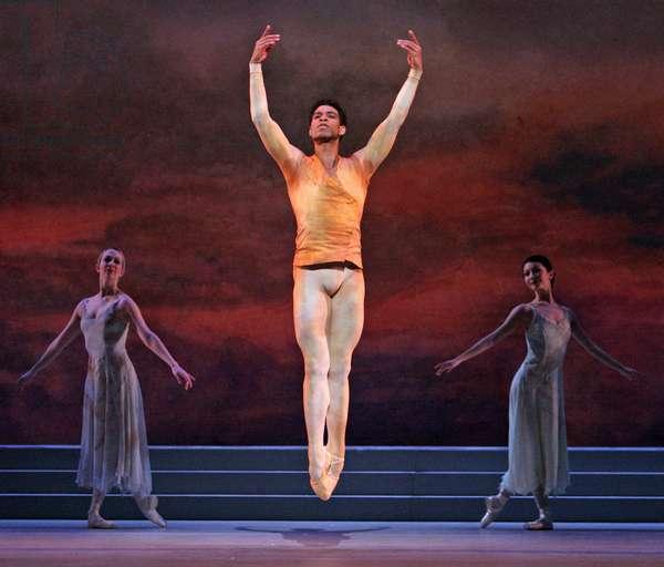 Royal Ballet 'Rhapsody' Royal OperaHouse 10 MAR 05 (photo)