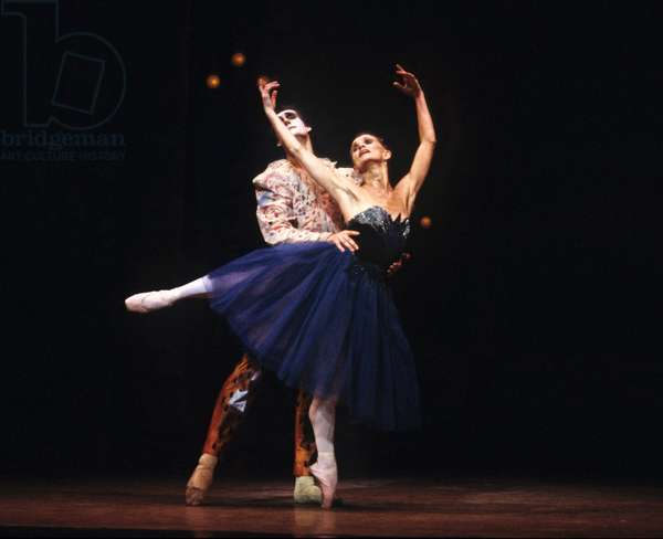 Birmingham Royal Ballet (formerly Sadler's Wells Royal Ballet). 'The Lady and the Fool' (photo)