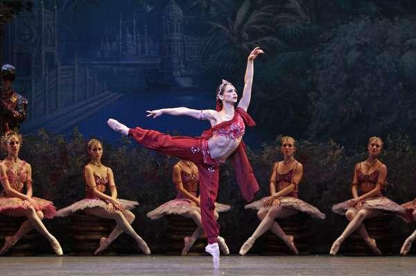 Royal Ballet in 'La Bayadere' (photo)