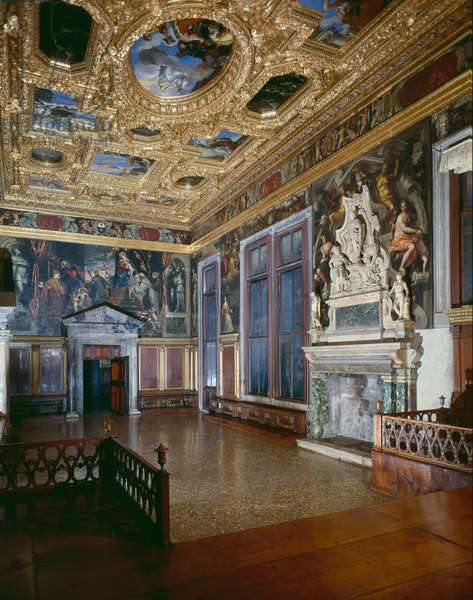 Interior of the Sala del Collegio (photo)