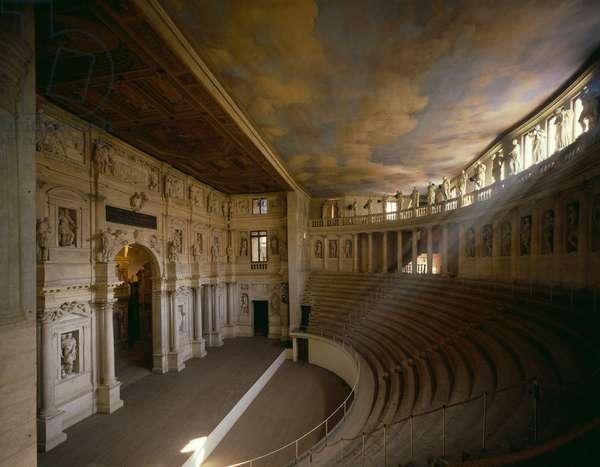 Interior view of the Teatro Olimpico (photo)