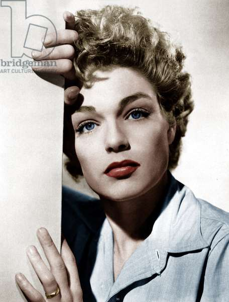 Simone Signoret in the 1950s (photo)