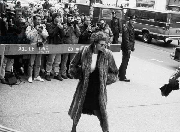 Raquel Welsh, Andy Warhol's Memorial, 1987 (b/w photo)