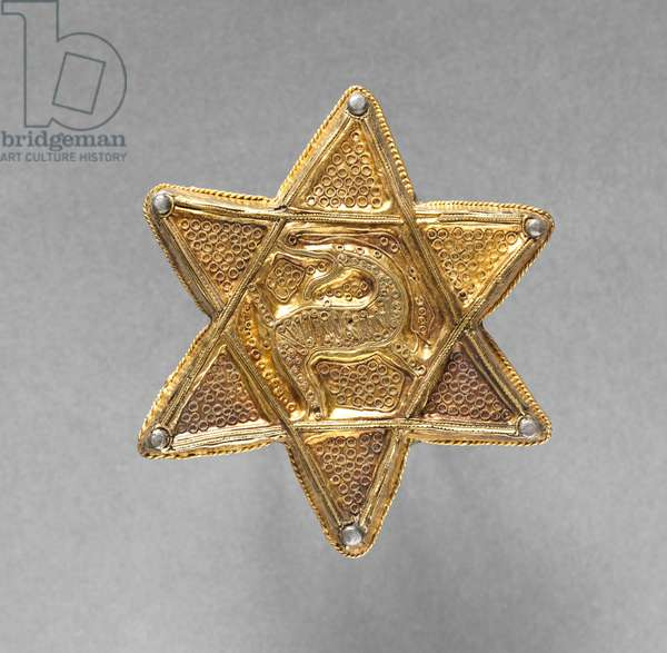 Brooch in the Form of a Six-Pointed Star, late 700s-early 800s (gold with repoussé and filigree decoration, copper backplate)