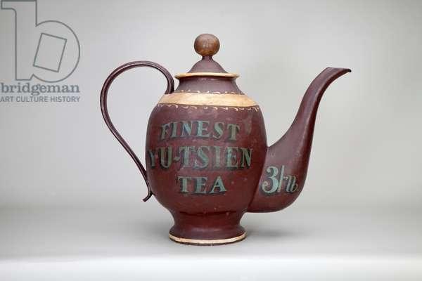Grocer's or Tea Merchant's Sign (teapot) (front), 19th century (papier mache, gilt and paint)