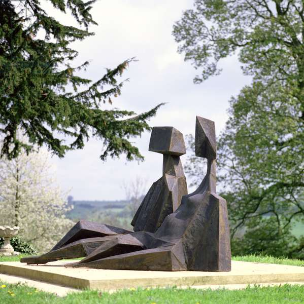 Two Seated Figures, 1973 (bronze) (see also 405492)