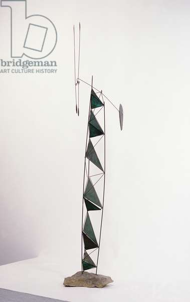 Stable with Mobile Elements, 1950 (brass wire, copper & brass triangles)