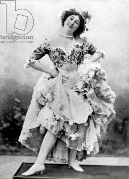 "the beautiful Otero (1868-1965) spanish courtesan and dancer of international fame, here as Mercedes in show ""une fete a Seville"" in Paris, 1900"