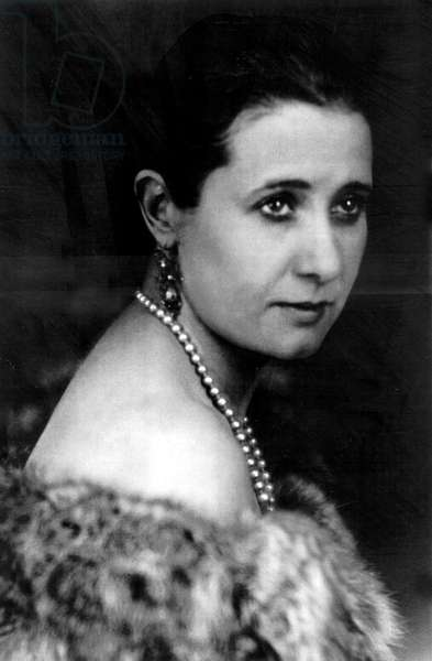 Yvonne George (1896-1930) belgian actress and singer, was the woman who inspired many of RobertDesnos' greatest poems here c. 1925