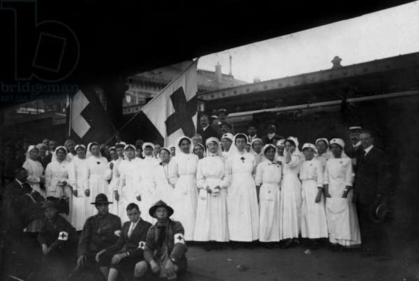 Red Cross nurses in Geneva Switzerland, 1st world war