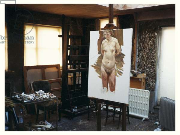 Interior of Lucian Freud's studio with 'Naked Portrait Standing', 1999-2000 (photo)