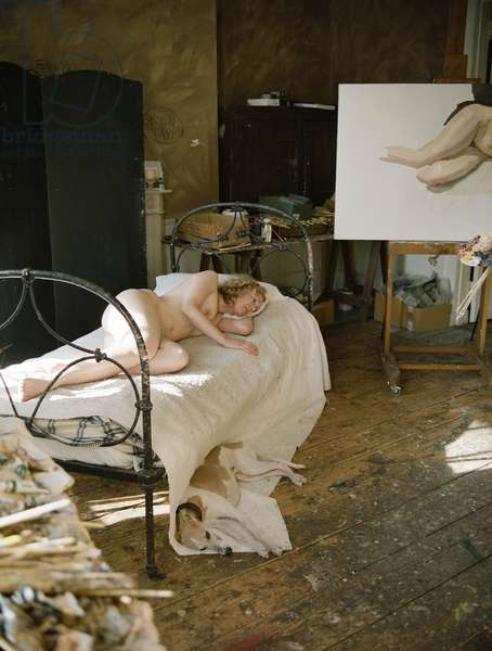 Studio interior with model posing for Lucian Freud's 'Ria, Naked Portrait', 2006-07 (photo)