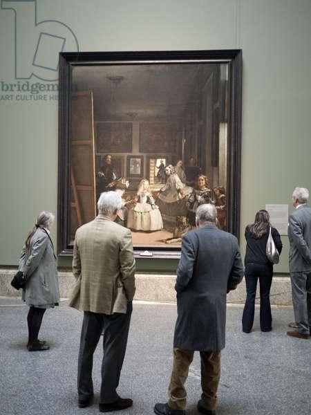 Lucian Freud admiring Velazquez's 'Las Meninas' (1656), with Lady Jane Willoughby and Bill Acquavella, Museo Nacional del Prado, Madrid, 2010 (photo)