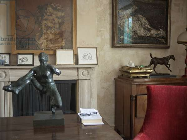 Interior of Lucian Freud's studio with Frank Auerbach's 'Head of Helen Gillespie', 1962, and 'E.O.W. Nude' (1953-54), Rodin's 'Study for Iris, Messenger of the Gods' (c.1890) and Degas' 'Cheval au gallop sur le pied droit' (cast 1920-21), 2011 (photo)