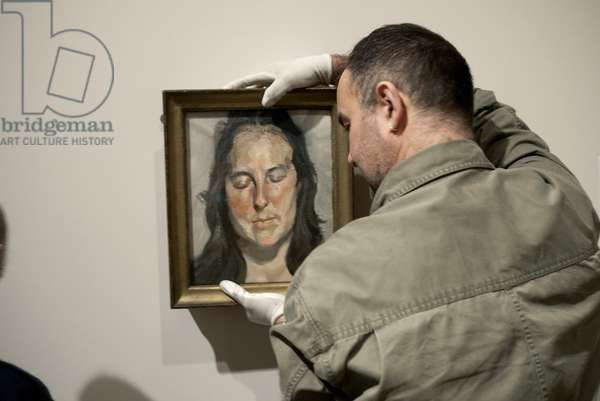 Installation of 'Woman with Eyes Closed' (2002) for Lucian Freud's posthumous exhibition, National Portrait Gallery, London, February 2012 (photo)