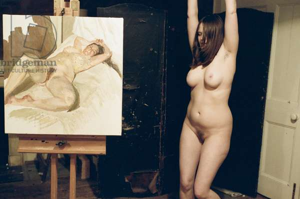 Sabina Donelly sitting for Lucian Freud, 2006 (photo)