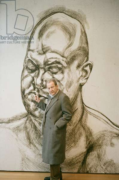 Lucian Freud in front of a blown up version of one of his etchings at the Museum of Modern Art, New York, 2007 (photo)