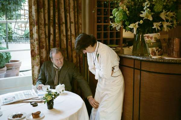 Lucian Freud and Sally Clarke, Clarke's Restaurant, Kensington Church Street, 2009 (photo)