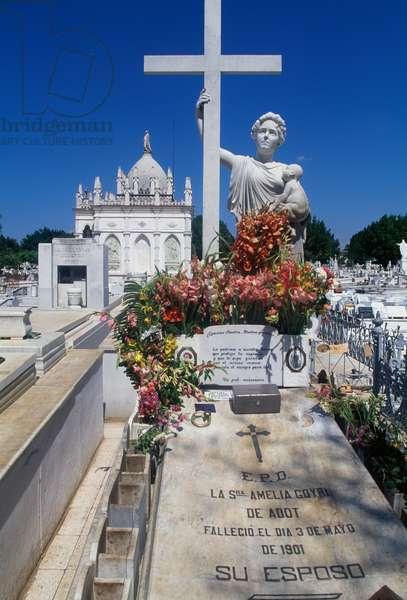 Grave in Christopher Columbus Cemetery, El Vedado, Havana, Cuba