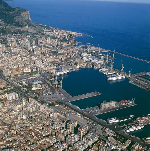 Italy, Sicily Region, Province of Palermo, Aerial view of Port of Palermo (photo)