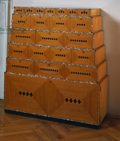 Chest of drawers, by Josef Hoffmann (1870-1956), Art deco style. Austria, 20th century.