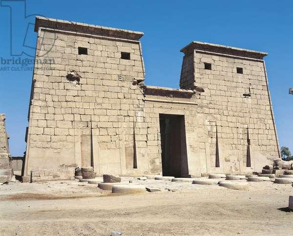 Egypt, Old Thebes, Luxor, Karnak temple complex, Temple of Khonsu, Pylon