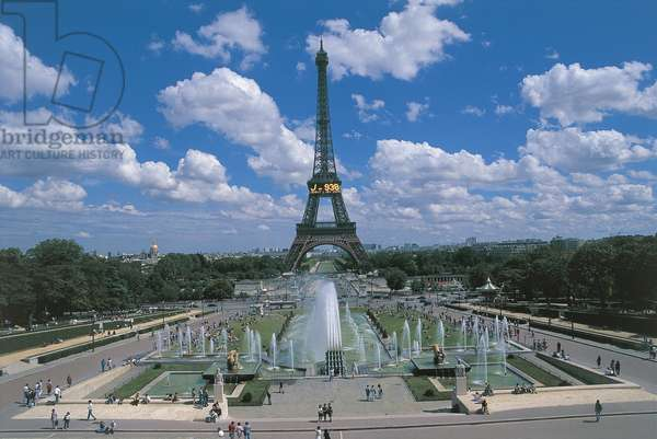 Fountains in front of a tower, Place du Trocadero, Eiffel Tower, Paris, France